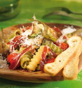 recetas-pasta-con-alcachofas-fritas-y-virutas-de-jamon
