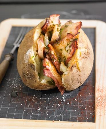 recetas-patata-asada-con-pulpo-y-aceite-de-pesto