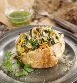recetas-patata-asada-con-setas-y-aceite-de-perejil