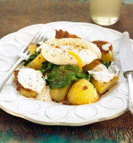 recetas-patatas-a-la-tunecina-con-espinacas-y-huevo-pochado
