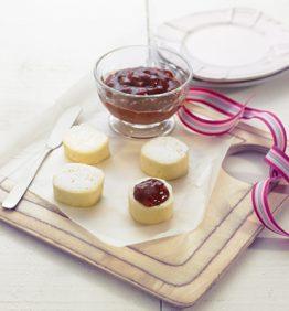 recetas-queso-tierno-de-nueces-de-macadamia-y-anacardos-con-tartare-de-fresones