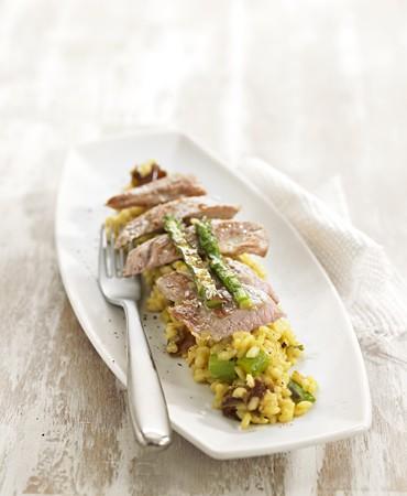 recetas-risotto-de-esparragos-verdes-con-secreto-iberico-a-la-plancha