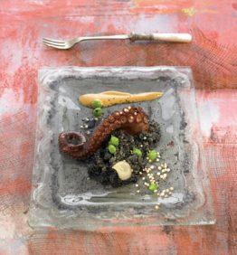 recetas-risotto-negro-de-quinoa-con-pulpo-a-la-brasa
