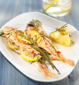 recetas-salmonetes-con-romero-y-limon-y-patatas-al-ajo