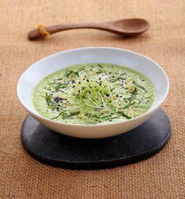 recetas-sopa-de-apio-aguacates-y-energia-del-sol