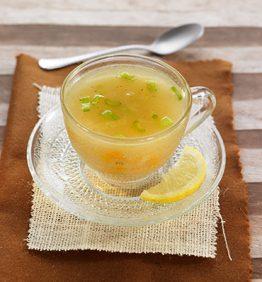 recetas-sopa-ligera-de-miso-jengibre-y-limon
