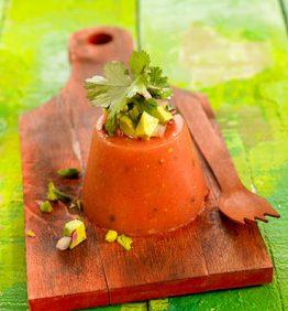 recetas-spic-de-tomate-con-picadillo-de-aguacate