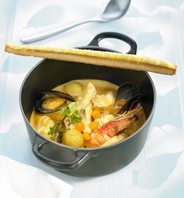recetas-suquet-de-rape-con-langostino-mejillon-y-pan-de-allioli-de-avellanas
