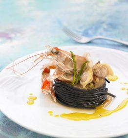 recetas-tagliatelle-frescos-con-frutos-de-mar-sanfaina-y-salsa-de-azafran