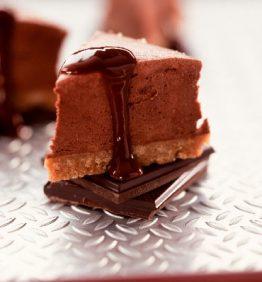 recetas-tarta-trufada-de-chocolate-y-salsa-de-cacao