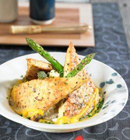recetas-tempeh-en-adobo-con-esparragos-y-salsa-de-setas-y-salvia
