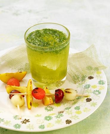recetas-tonica-con-menta-hinojo-albahaca-y-jengibre