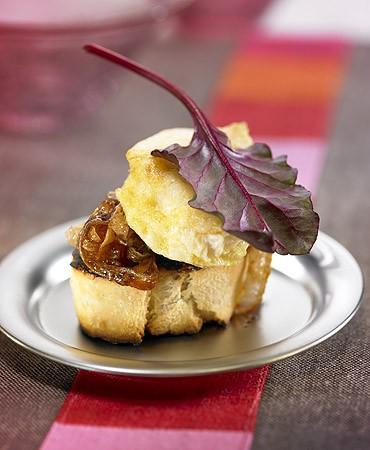 recetas-tostada-de-merluza-con-cebolla