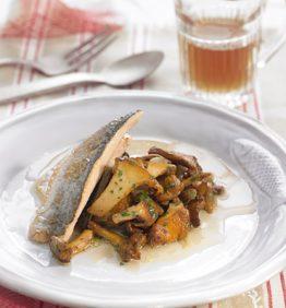 recetas-trucha-con-salteado-de-rossinyols-y-caldo-de-piel-de-patata
