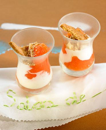 Vasitos de yogur y papaya