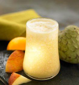 recetas-zumo-de-chirimoya-pina-manzana-y-naranja