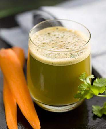 recetas-zumo-de-zanahoria-cilantro-y-pepino