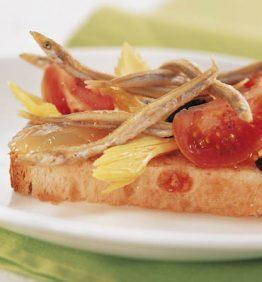 receta-ensalada-de-sonsos-apio.pan-tomate