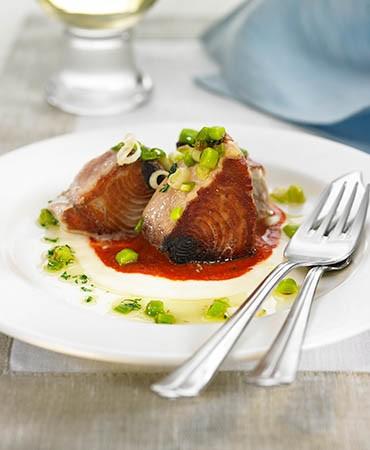 recetas-bonito-con-crema-de-patata-y-tomate