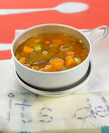 Sopa de verduras, miso y tapioca