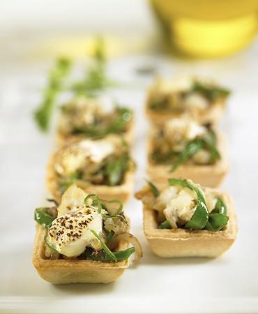 recetas-tartaletas-con-bacalao-pimiento-y-alioli