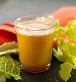 recetas-zumo-de-col-apio-zanahoria-y-cilantro