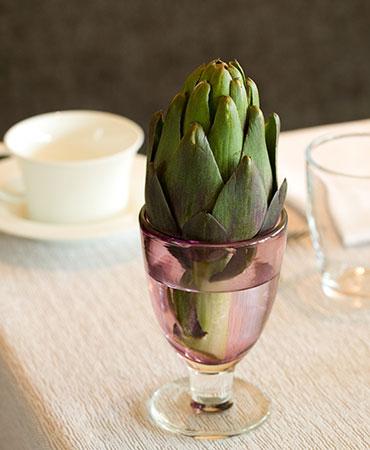 estilo en la mesa copa alcachofa