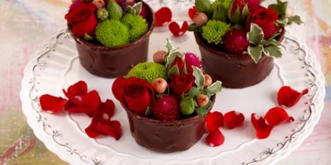 estilo-en-la-mesa-flan-de-chocolate-y-rosas-miniatura-500x400