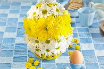 estilo-en-la-mesa-huevo-floral-miniatura-500x400