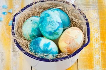 estilo-en-la-mesa-huevos-tradicion-lituana-miniatura-500x400