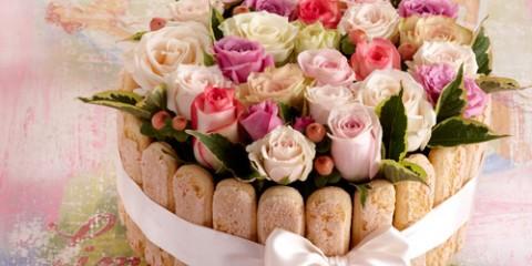 estilo-en-la-mesa-pastel-de-rosas-miniatura-500x400