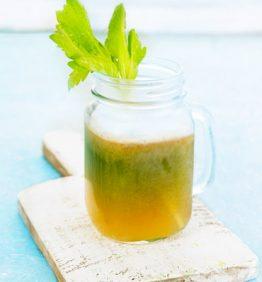 receta-zumo-jengibre-pera-y-apio-370x450