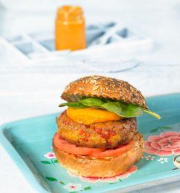 hamburguesa-catalana-de-seitan-y-tofu-con-pimiento