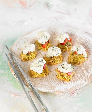 Nidos-de-falso-queso-cremoso-a-las-finas-hierbas-con-sorpresa