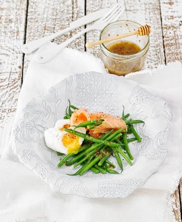 ensalada-de-judia-verde-y-salmon-ahumado-con-vinagreta-de-miel-y-mostaza
