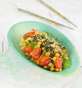 salteado-de-espinacas-y-garbanzos-a-las-5-especies-con-quinoa-aromatizada-con-te-verde