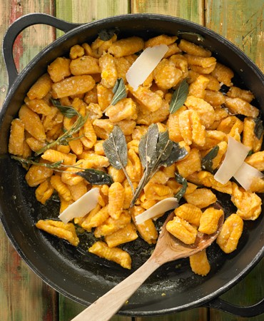 gnocchi-de-calabza-con-romero-y-salvia_queso-foto-final