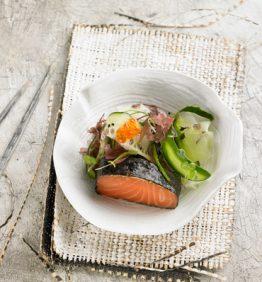 lomo-de-salmon-ahumado-con-wasabi-y-algas