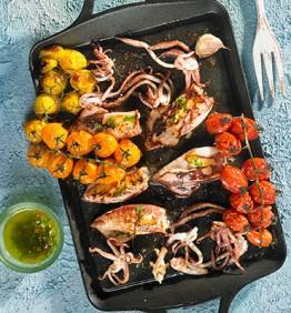 calamares-a-la-plancha-con-tomate-al-horno