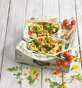 ensalada-de-pasta-con-kale-broccoli-habas