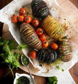 Patatas, boniato y remolacha preparado al estilo Hasselback