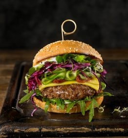 hamburguesa con ensalada